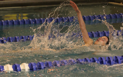 Swimmers Shatter 200 Freestyle Record