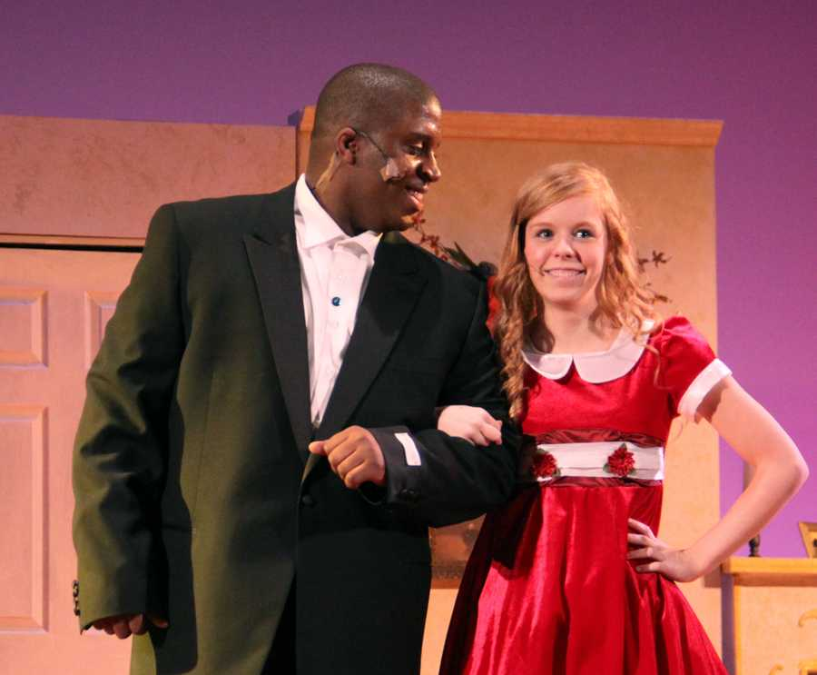 LC Theater Performs Annie