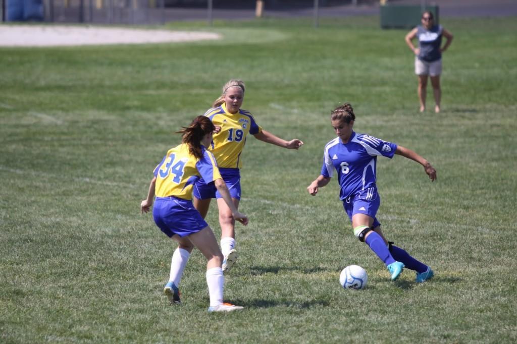 Girls Varsity Soccer Takes Win in Second Half