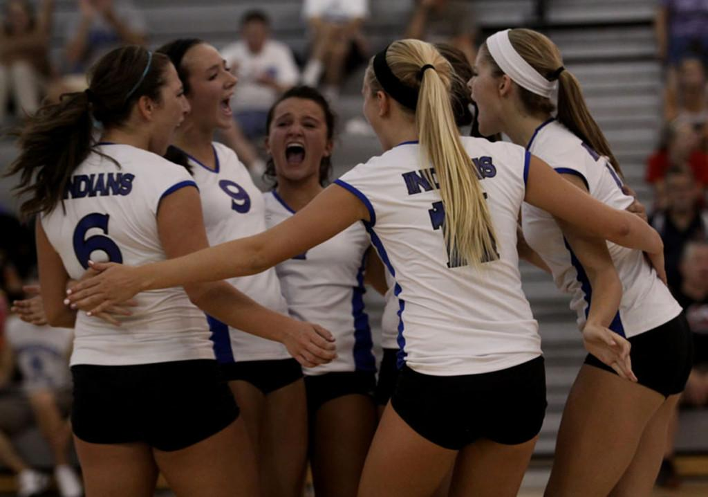 Girls Volleyball Defeats Munster for the First Time in Four Years