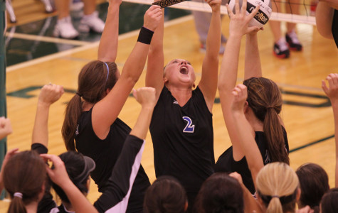 Volleyball Wins Regionals for the First Time Since 1994