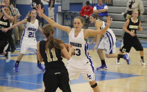 Varsity Girls Basketball Opens Season With a Win