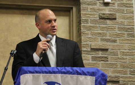 Mr. Robin Tobias, Principal, gave one of the opening speeches at the Academic Letter Winner's Banquet on Thursday, April 11. The Academic Letterwinners Club is for those students who have received a 3.9 GPA or higher.
