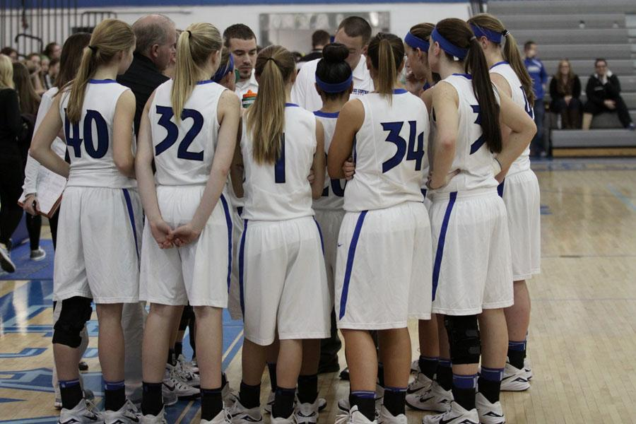 01-23-15-Varsity+Girls+Basketball-Bredar++%282%29