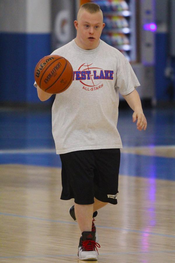 031615-QuinnWestLakeBasketball1