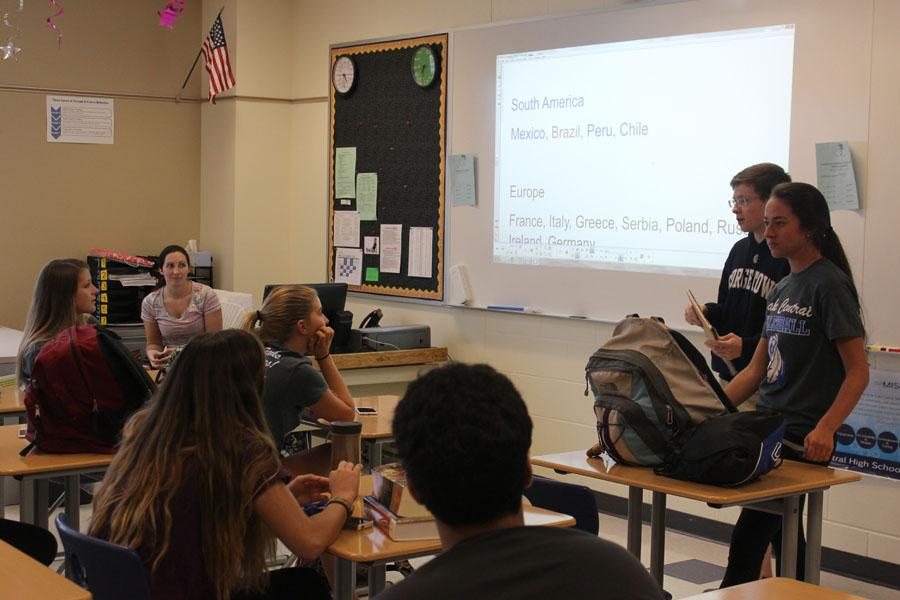 Students+vote+on+countries+to+study+throughout+the+year+at+the+International+Club+meeting+on+Tuesday%2C+Sept.+8.+The+meeting+was+organized+by+Sean+Meyer+%2812%29+and+Rachel+Gross+%2812%29+in+Room+C301.+