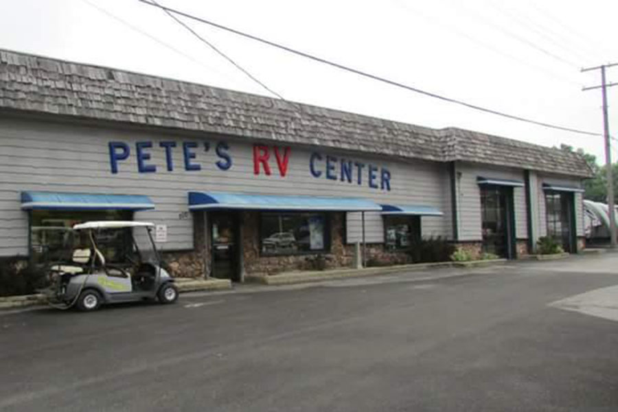 Pete%E2%80%99s+RV+Center+stands+located+off+of+Lincoln+Highway+in+Schererville.+Pete%E2%80%99s+has+been+in+business+for+over+60+years+and+has+maintained+two+locations.+Photo+Submitted+By%3A+Kimberly+Haddad+%2812%29