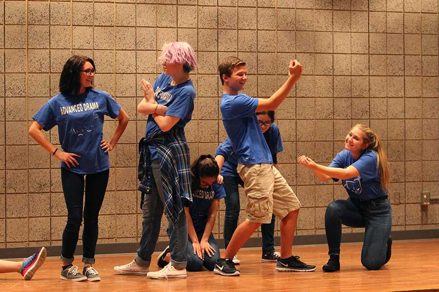 The+improv+group+Straight+Outta+Broadway+performs.+The+show+took+place+on+Sept.+24.
