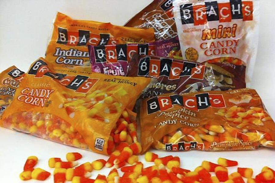 Classic+candy+corn+gets+in+costume+for+Halloween.+%28Allen+Pierleoni%2FSacramento+Bee%2FTNS%29
