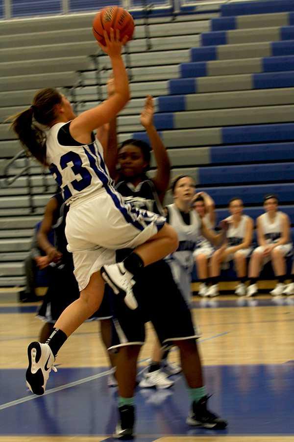 11.12-freshmenbasketball-szymczak5