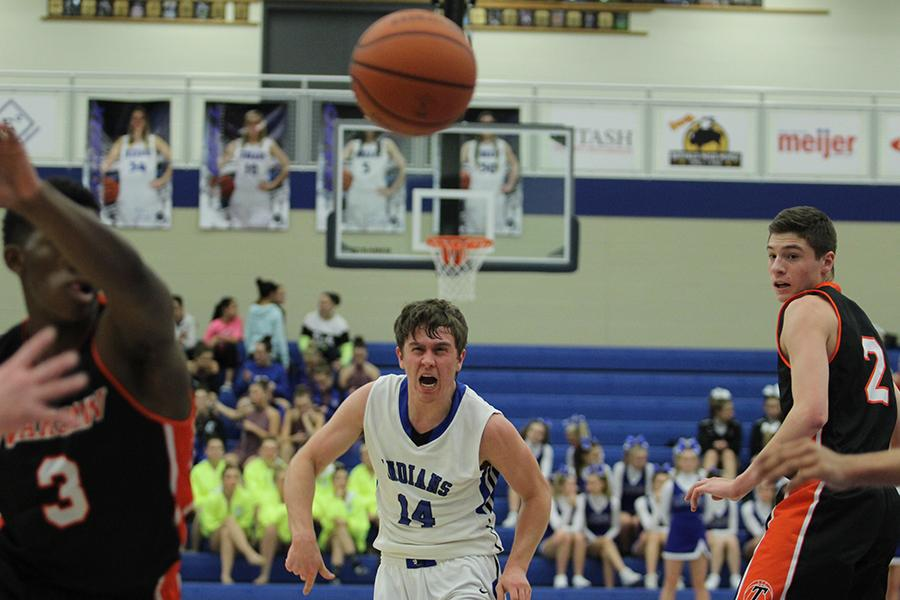12%2F11%2F15+Varsity+Boys+Basketball+Gallery