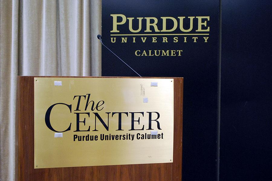The+podium+stands+empty.+The+2016+Hammond+Rotary+World+Affairs+Conference+took+place+on+Dec.+11+at+Purdue+Calumet.+