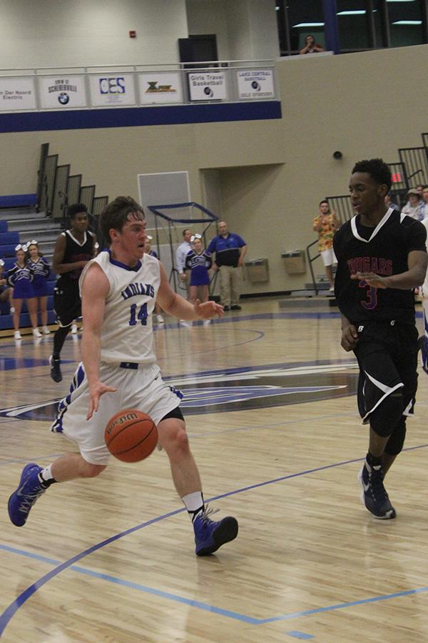 120915-Varsityboysbasketball-Mills-6