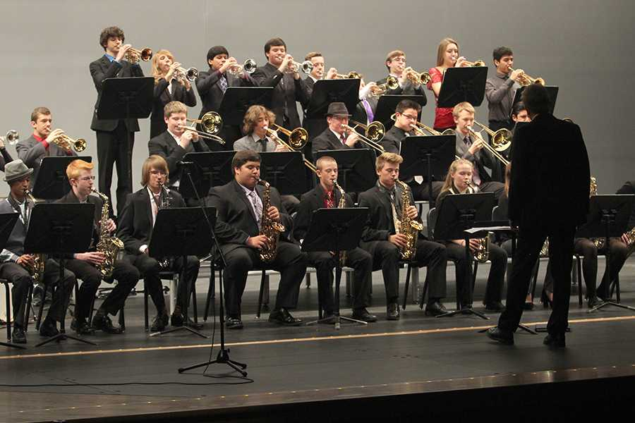 Students+from+Jazz+II+perform+a+song+in+the+new+auditorium.+Jazz+II+opened+the+jazz+concert.+%0A1211-jazz-pavell-4%3A+