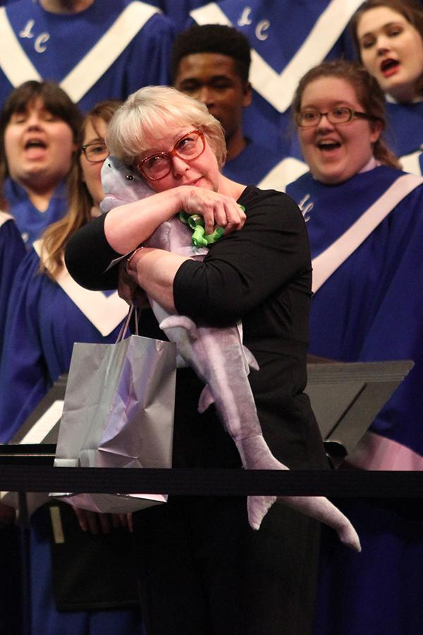 The+choir+sings+to+Mrs.+Sandy+Hobbs%2C+Music.+The+last+concert+directed+by+Mrs.+Hobbs+will+be+on+May+5.+Photo+by+Kylie+Thomsen.%0D%0A