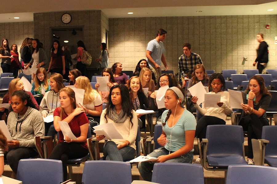 Sophomores+gather+in+the+LGI+to+listen+to+Mrs.+Kline+talk+about+what+Dollars+for+Scholars+is+all+about.+They+talked+about+the+homecoming+dance+and+possible+opportunities.++%0A