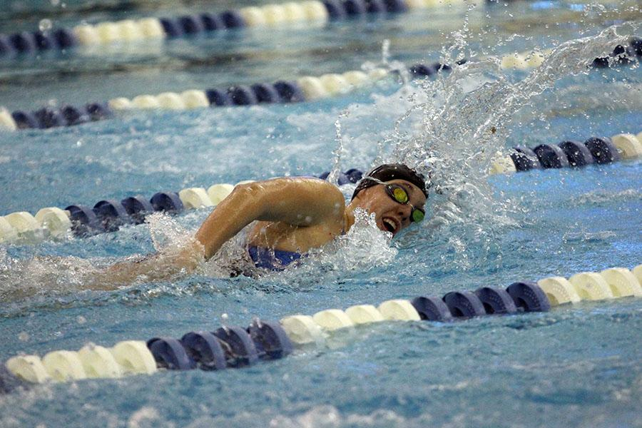 Jillian+Murray+%2810%29+swims+during+the+200m+freestyle+relay.+The+girls+lost+to+Valparaiso+by+four+points.