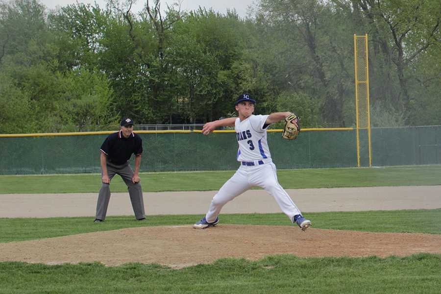 Ian+Lukowski+%2810%29+pitches+the+ball+in+a+game+against+Merrillville.++The+Indians+JV+team+won+this+game+24-5.