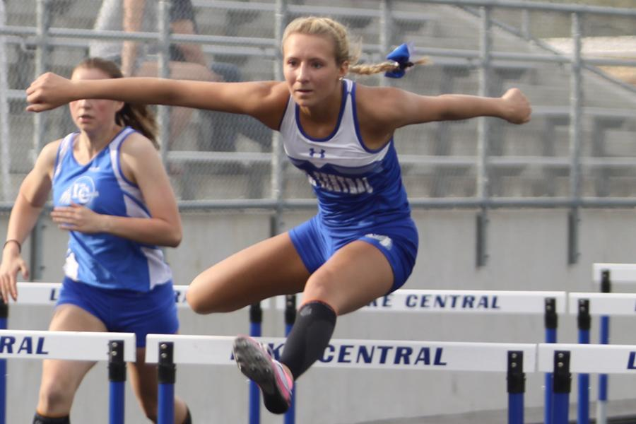 5/1-18 Varsity Girls Track Gallery