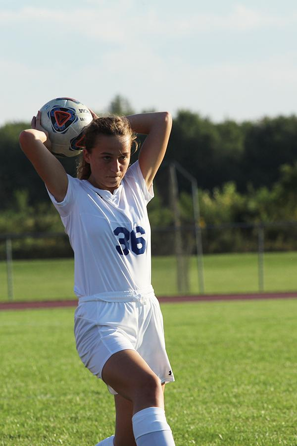 +Sophia+Hoyda+%2810%29+starts+a+throw-in+to+return+the+ball+back+to+her+teammates.+Natalia+Duvnjak+received+the+return.