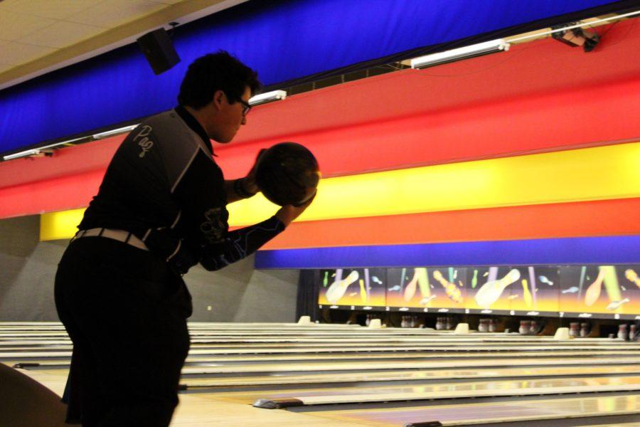 Ricardo+Paz+%2811%29+prepares+to+take+his+shot.+He+then+threw+a+strike.