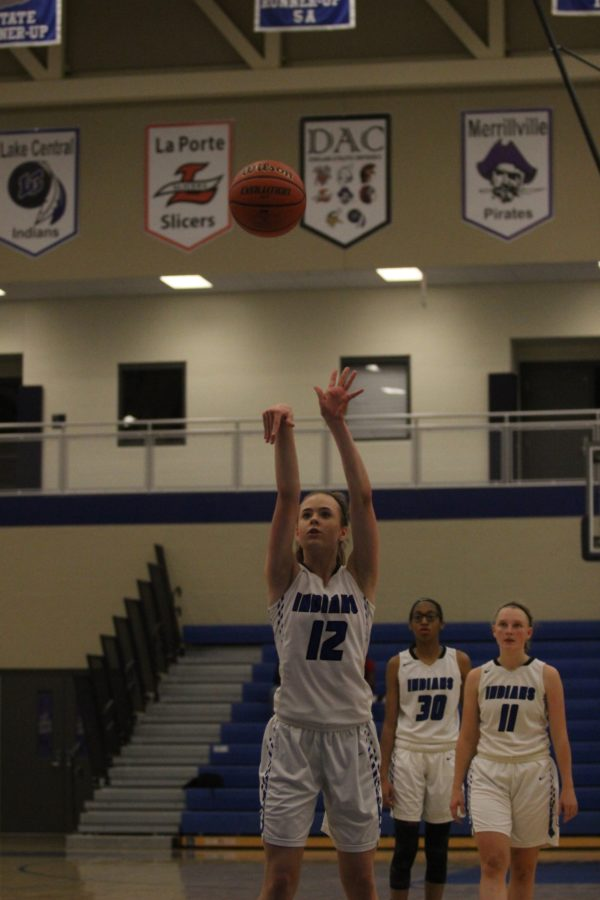 Abbey+Oedzes+%2810%29+shoots+a+free+throw.+She+scored+over+half+of+her+free+throws.
