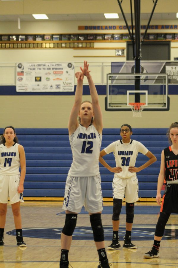 Abby+Oedzes+%2810%29+gets+in+position+and+makes+a+free+throw.+She+also+made+her+previous+shot.+