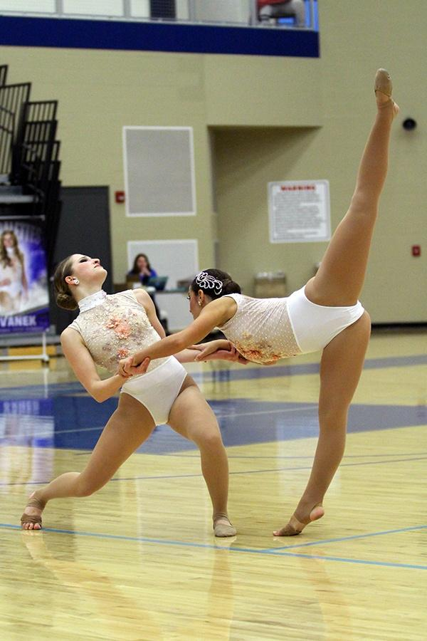 Jamie+Szczecina+%2810%29+holds+onto+Jessica+Almarez+%2811%29+as+she+arabesques.+The+girls+were+in+exhibition%2C+so+they+didn%E2%80%99t+place+in+any+of+their+categories.