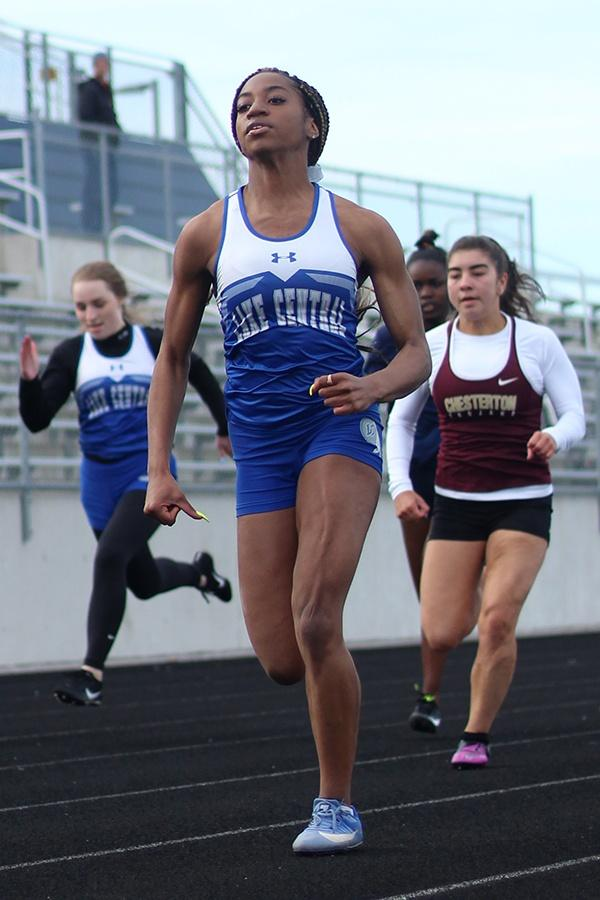 A+muscle+strains+in+LaTreasure+Johnson%E2%80%99s+%2810%29+thigh+as+she+sprints+down+the+track.+Johnson+is+currently+the+best+long+jumper+on+the+team+due+to+her+record+breaking+performance.+