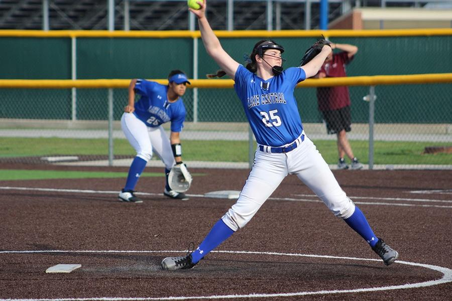 Peyton+Pepkowski+%2810%29+pitches+the+softball+to+a+batter+from+La+Porte+High+School.+The+girls+have+been+practicing+for+several+months.