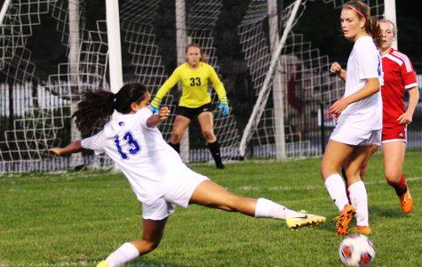 Varsity girls soccer defeats Munster