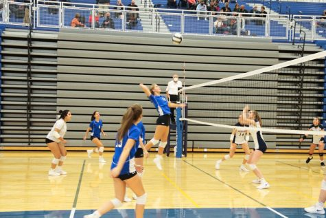 Freshman volleyball team serves up wins at home: Photo gallery