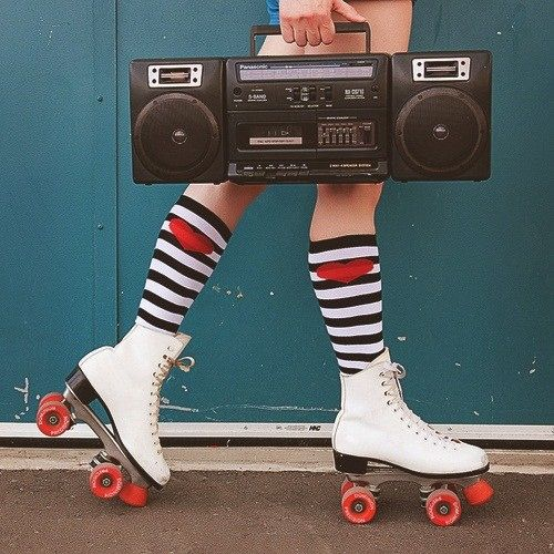 The 80s are making a retro comeback through the most popular sport back then: rollerblading. The beloved sport of rollerblading is back now since the pandemic, giving students a great way to relax and have fun.