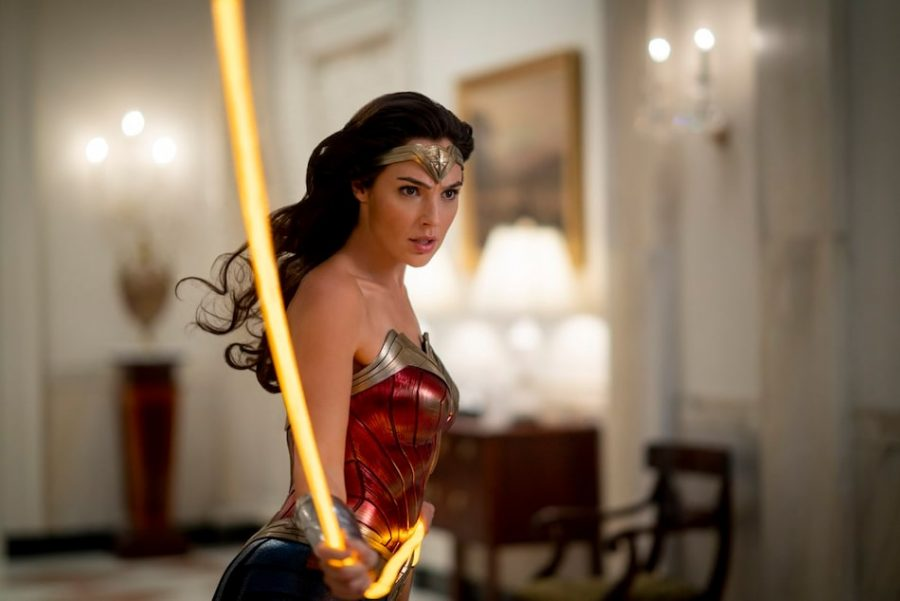 Wonder+Woman+uses+her+lasso+of+truth.+Gal+Gadot+trained+extensively+for+this+role.+